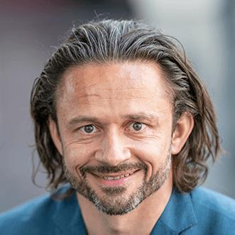 Dr. Adrian Reisch